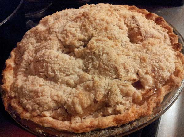 Dad's Favorite Apple Crumb Pie
